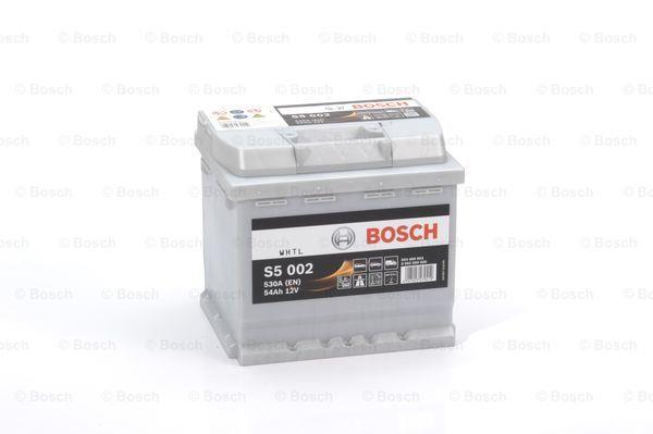 Батарея аккумуляторная Bosch S5 002 12В 54Ач 530A(EN) R+