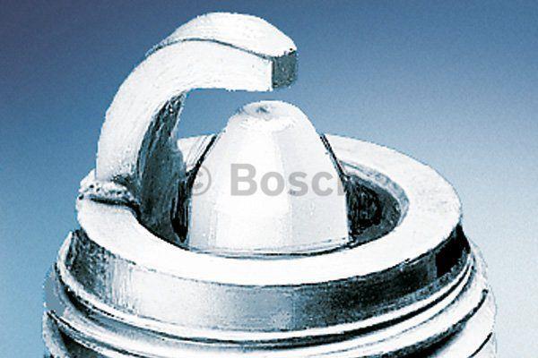 Свеча зажигания Bosch Platinum Plus WR7DP